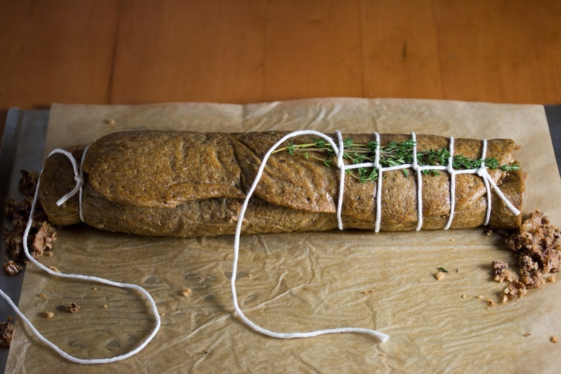 Tie the twine around the roulade towards the middle